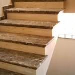 Obra de escalera en mármol