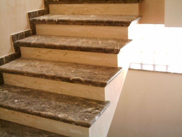 Escalera de marmol obras y servicios m laga - Marmol para escaleras ...