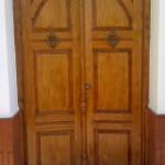 Barnizado de puerta. Restauración