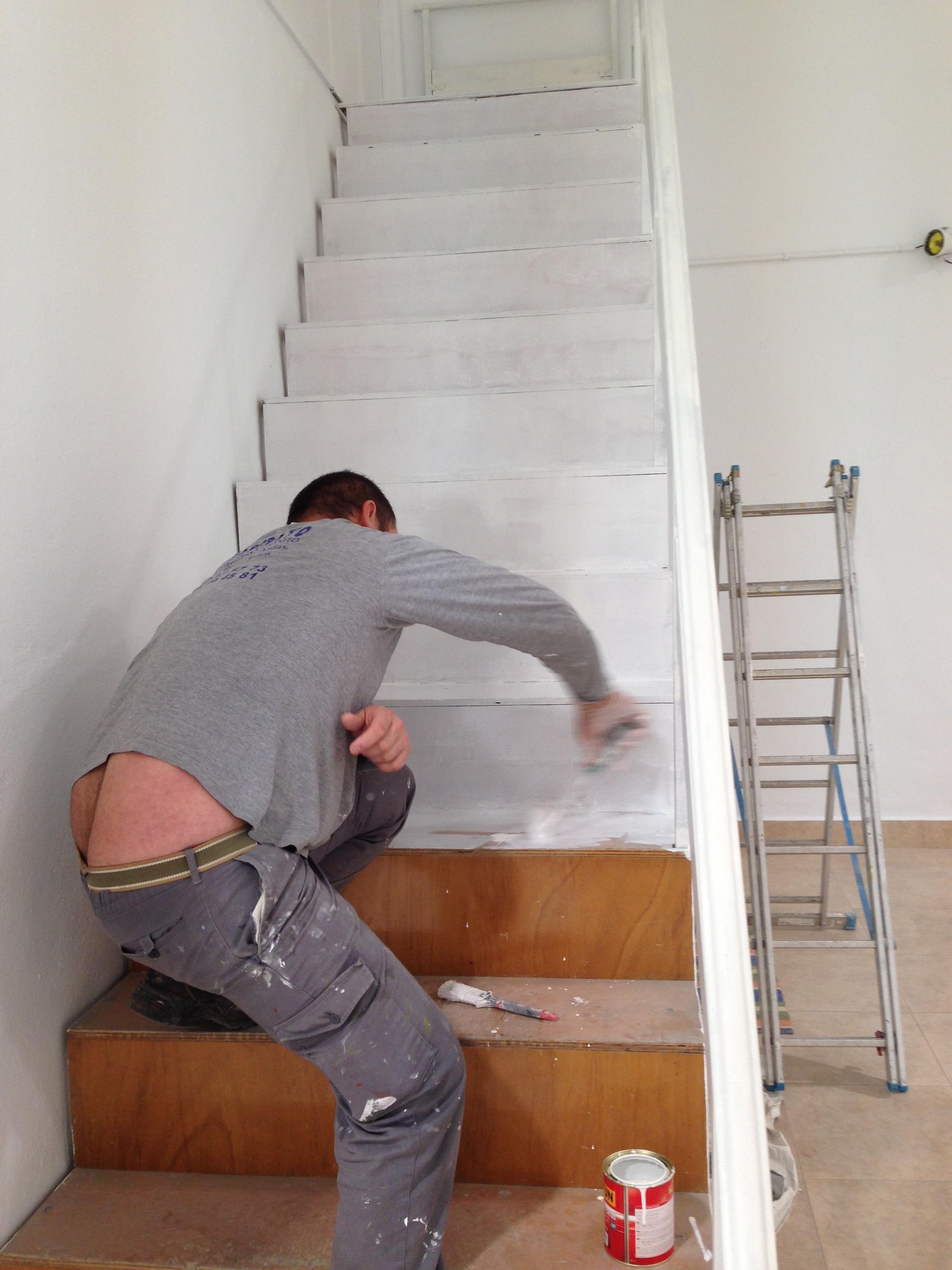 Pintar escalera obras y servicios m laga - Escaleras para pintar ...