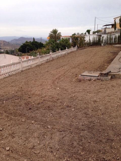 Jardiner a mantenimiento de jardines obras y servicios - Empresas de jardineria en malaga ...