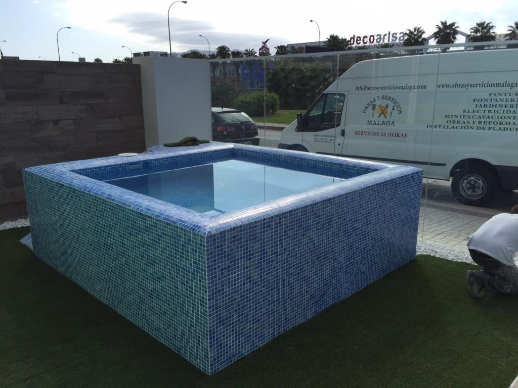 Construccion de piscinas obras y servicios m laga for Construccion de piscinas en malaga