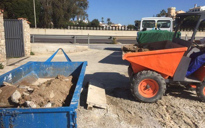 Mini-excavaciones y contenedores